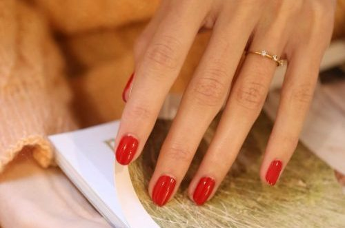 Manucure ongles rouge